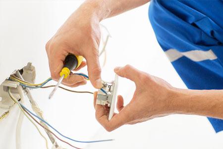 Travaux petite Electricité